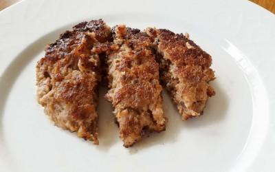 Pannbiff är lätt att tugga och därför en kötträtt som kan ätas tidigt.